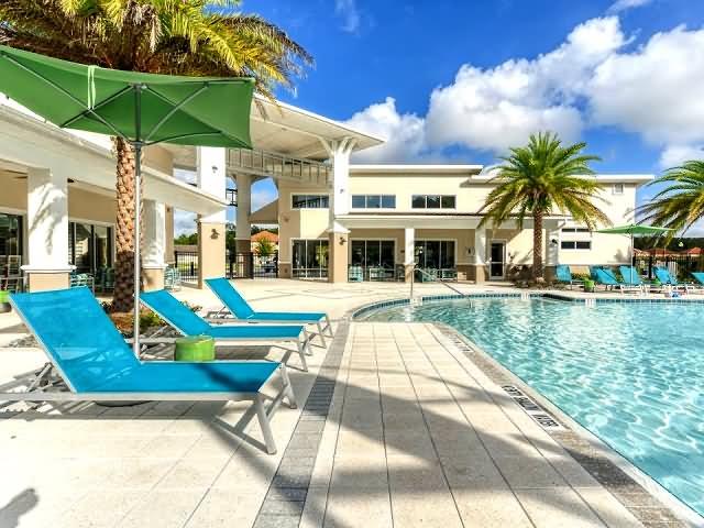 Veranada Palms Pool Side