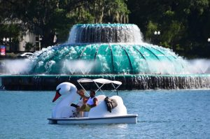 Image of the fountain and swan boat at lake eola
