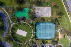 Tennis/basketball/volleyball/putting green